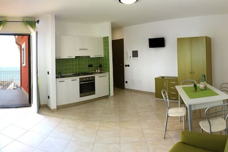 CHERY apt verde - Riva Ligure - Appartement