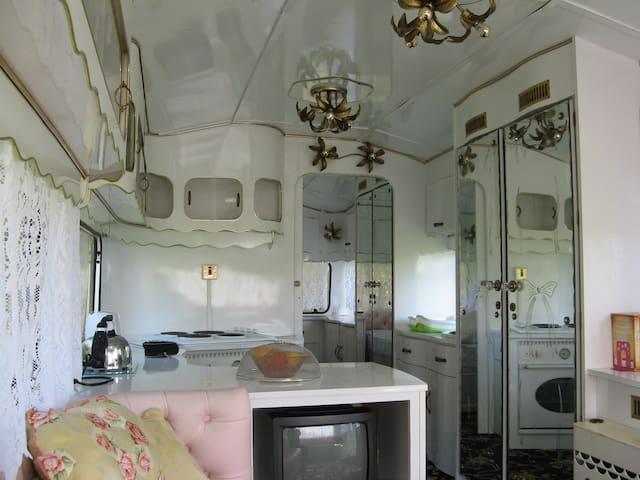 Classic Roma Supreme Caravan - Camborne