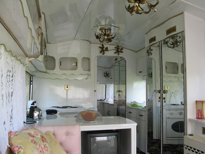 Classic Roma Supreme Caravan