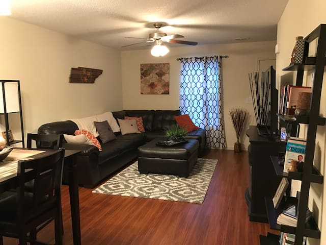 Awesome 2br Condo, in the heart of it all! - Johnson City