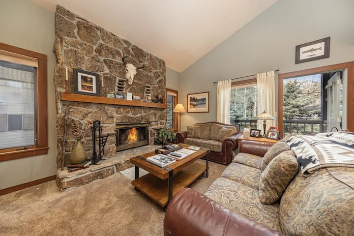 Rendezvous C3: 3Br+Loft- Teton Village- Spacious- Sleeps 12- Pool Access