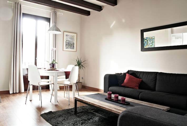 Double with bathroom and (shared) balcony