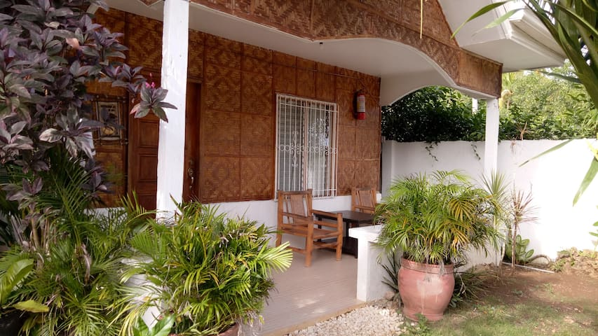 Cot 5]  Furn Nice Modern Cottage from P600 per nt