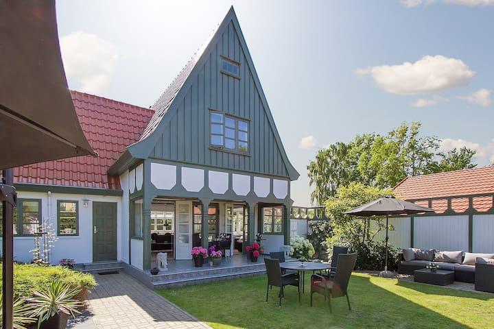 Sommerhus i hjertet af Liseleje - 150 m fra strand - Liseleje - Cabin