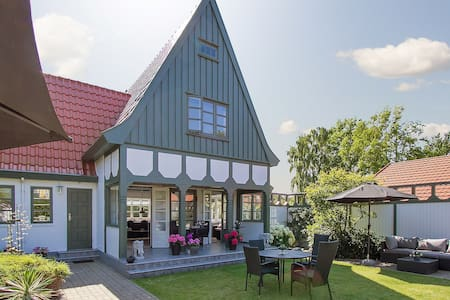 Sommerhus i hjertet af Liseleje - 150 m fra strand - Liseleje - Chatka