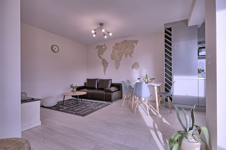 Leo Apartment - one bedroom with free car park