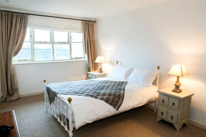 Cosy, quiet romantic or family cottage - Cotleigh - House