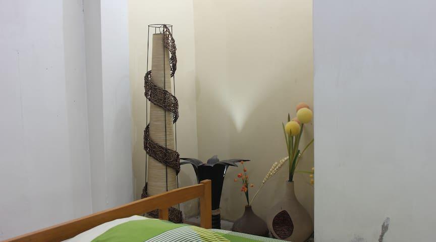 Kamar 106 Gandekan Lor Malioboro Jogjakarta
