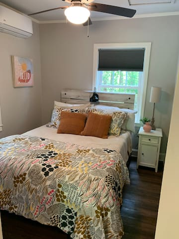 Guest bed room with new Casper queen sized mattress and Costco 800 thread count sheets.  Separate mini-split unit to ensure your comfort.