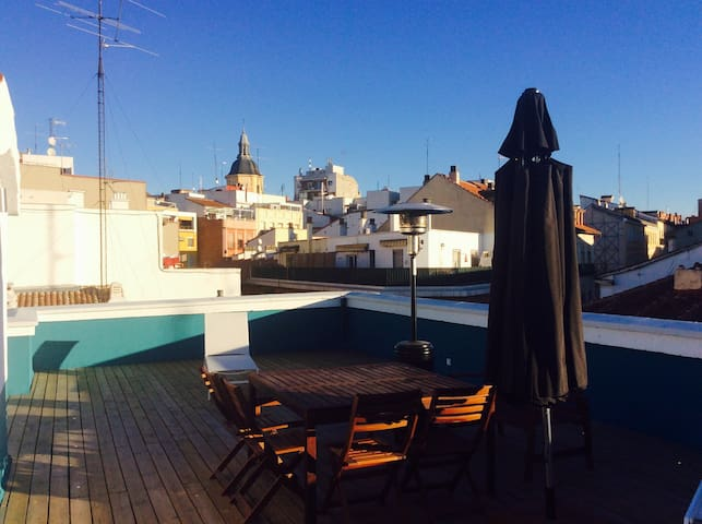 Modern flat with rooftop in the city center - Madrid - Huoneisto