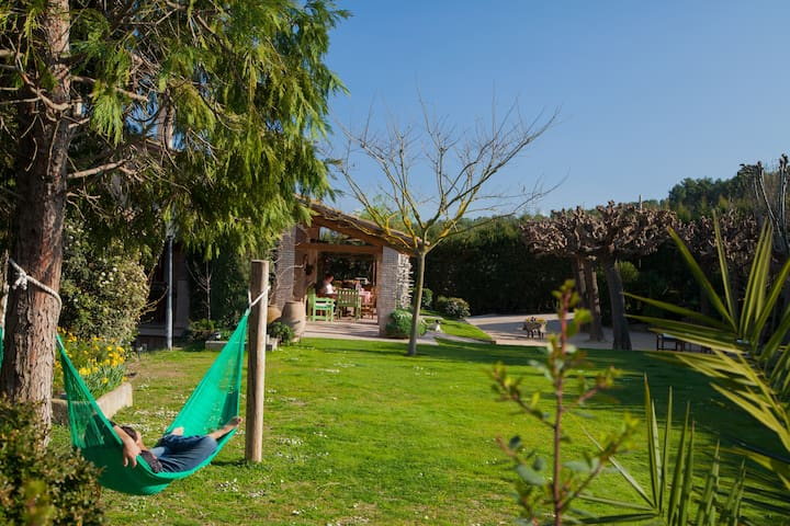 Masia Turismo Rural Can Caponet - Lliçà d'Amunt - Bed & Breakfast