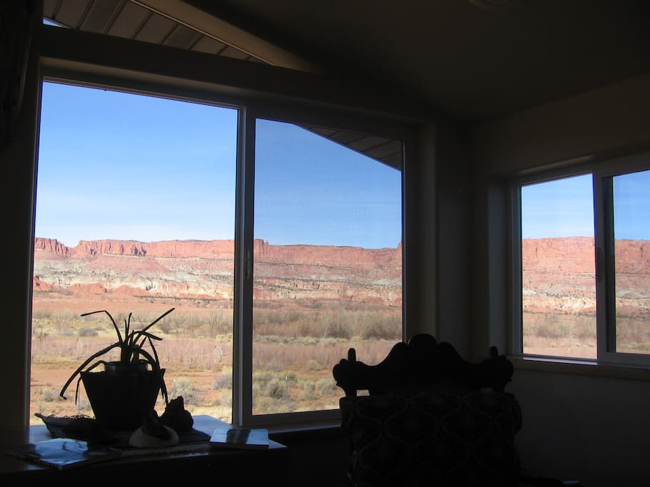 Moving to the other side, the view to the east appears limitless as the Boulder and Thousand Lake Mt. meet the vast painted desert that extends beyound the Colorado River, Canyon Lands and eventually Monument Valley.