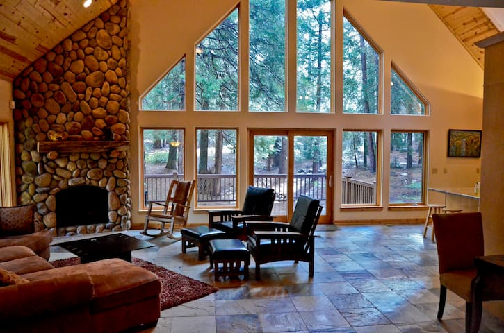 Amazing Vacation Cabin in Yosemite - Yosemite National Park - Houten huisje