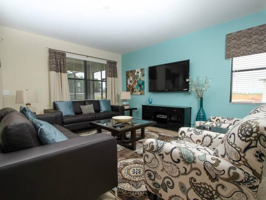 Grand living room on ground floor