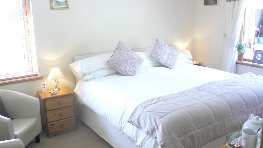 Tigh an Each B&B Deluxe Superking Double Room