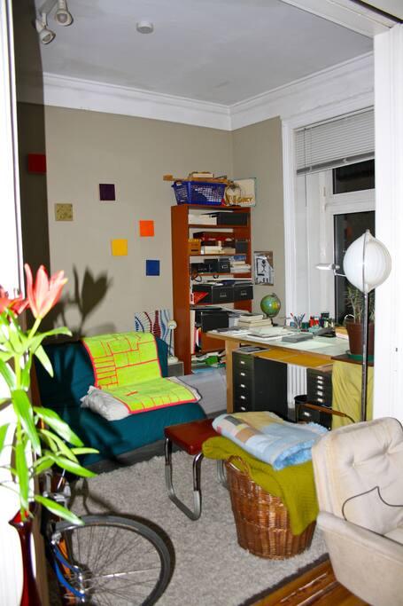 artist apartment workstudio hamburg hamburg. Black Bedroom Furniture Sets. Home Design Ideas
