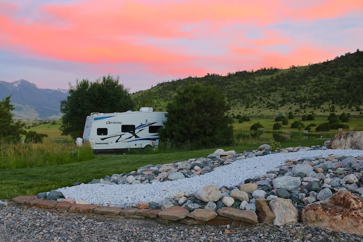160 Acres Full of Sunshine - Paradise RV Retreat