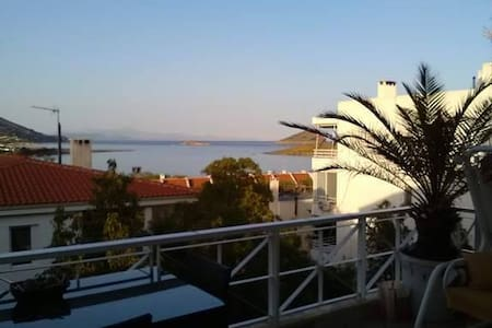 Quality and affordability near Athens airport! - Markopoulo Mesogeas - Huoneisto