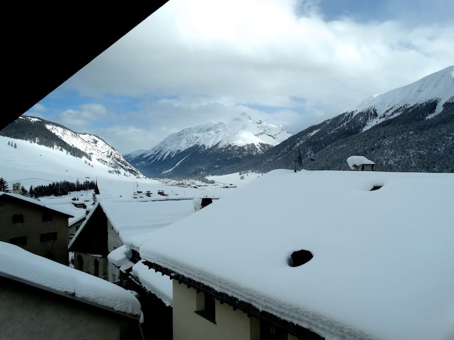 Blick aus dem Fenster (Winter)