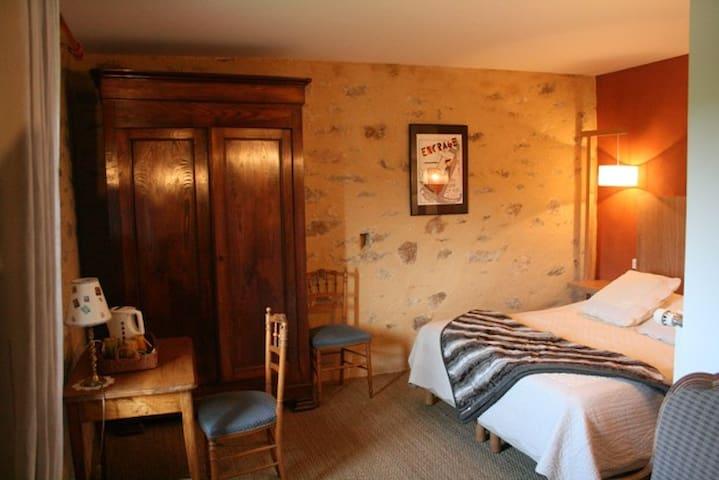 Guesthouse in a quiet enrivonment - Landévant - Bed & Breakfast