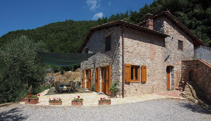 Farmhouse in countryside near Lucca