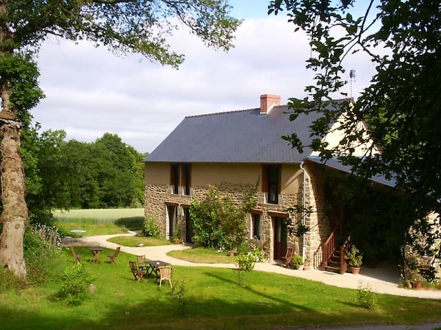 La Hulotte B&B (breakfast included) - La Chapelle-aux-Filtzméens