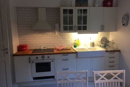 Nyrenoverad villa i Fjällbacka - Fjällbacka - Dom