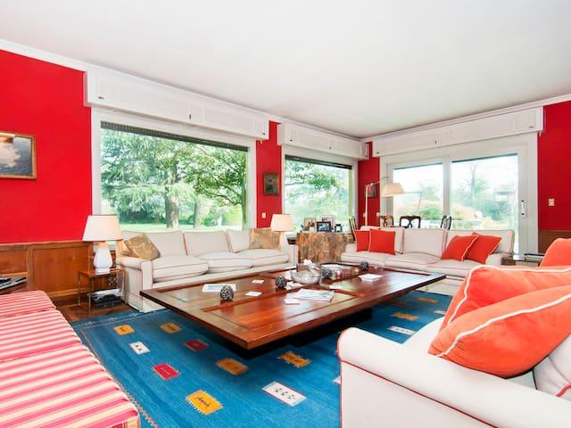 Amazing Villa Milan-Como Area - Cernusco Lombardone - วิลล่า