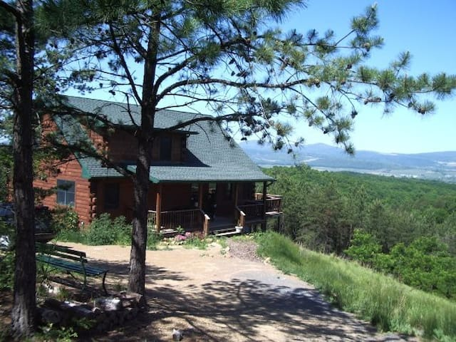 Beautiful Log Cabin w/Gorgeous View - Moorefield - Huis