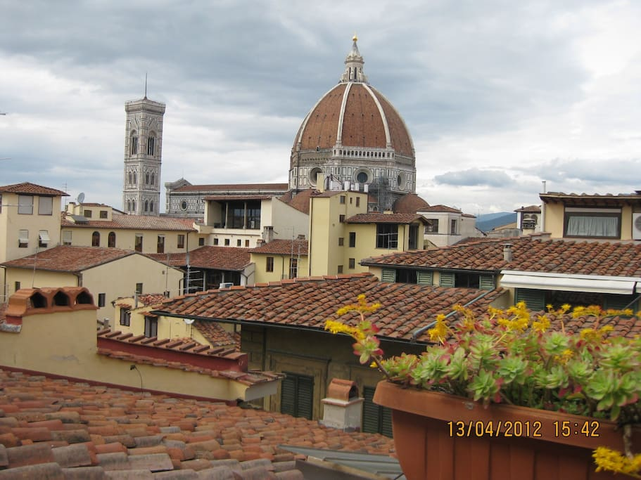 Apartment with terrace facing duomo apartments for rent for 5652 florence terrace
