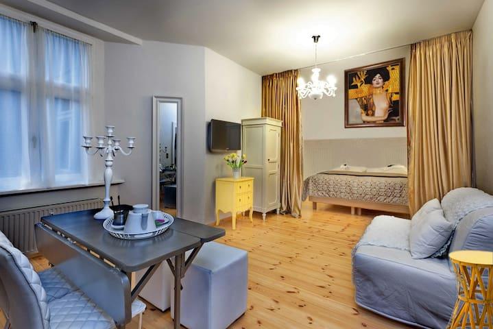 Charming Apartment in Kollwitzplaz