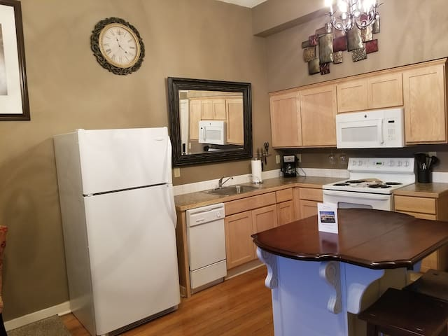 209  Apartment  Downtown Yakima Sleeps 4