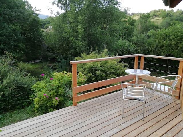 Terrasse au calme donnant sur le jardin