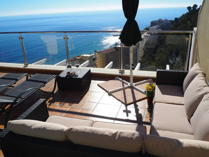 Penthouse with amazing view and great location