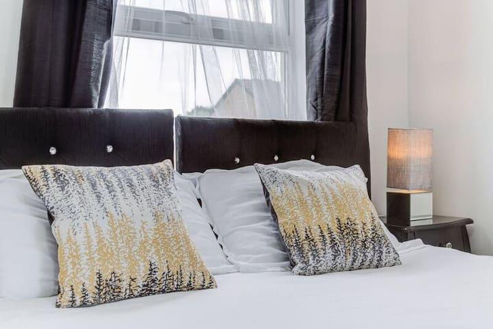 Royal jubilee suite - 1 bed - London