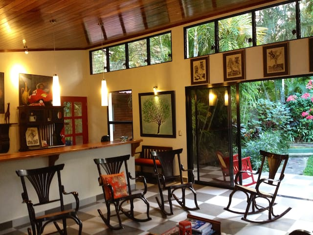 The Artist's Garden - Casita, 2BR   - Managua
