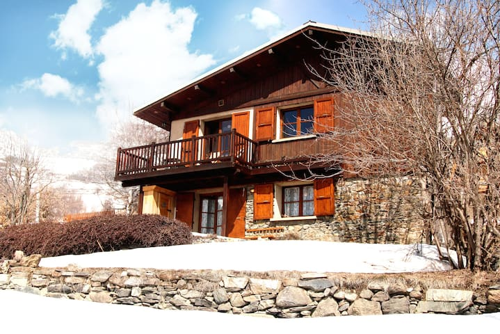 Chalet in Alpe d`Huez, on slopes - Huez - Casa
