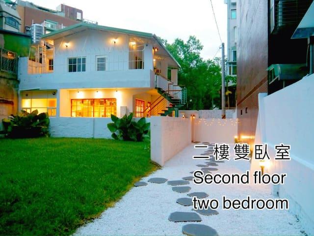 Elegant white private apartment secondfloor 攝影場地租借