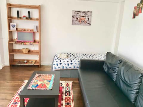 Large room with balcony in Haringey/North London