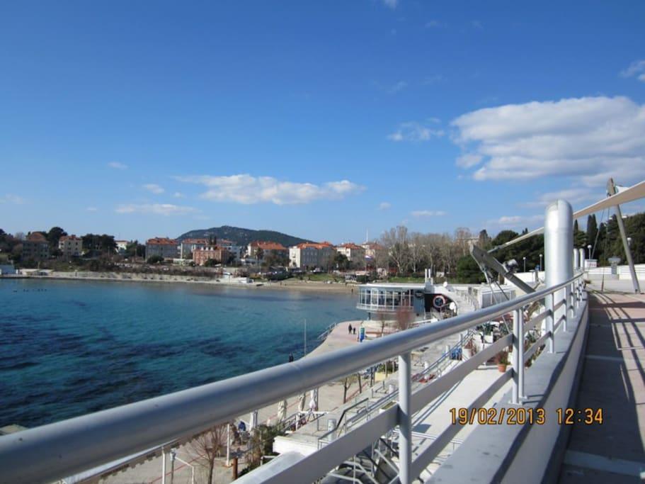 nearest Bacvice beach just 10 min walk from the apartmentit has BLUE FLAG