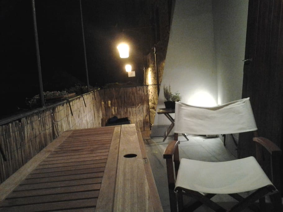 terrazzo sul mare, accesso diretto terrace with direct access to the sea