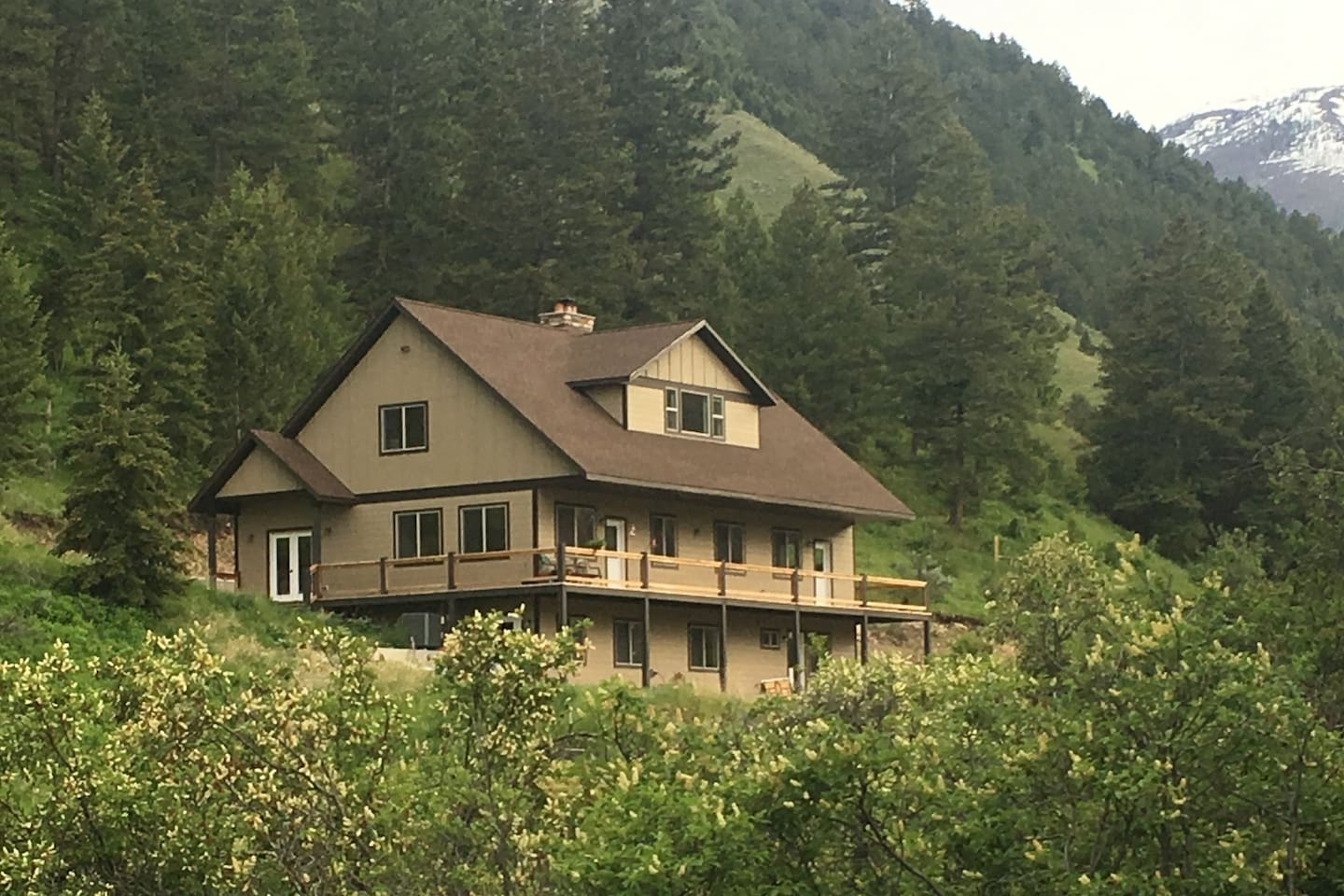Skyrange Acres is located in one of the most beautiful parts of historic Lemhi County, Idaho.