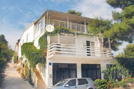 5 Bedrooms Home in  #1 - Brna