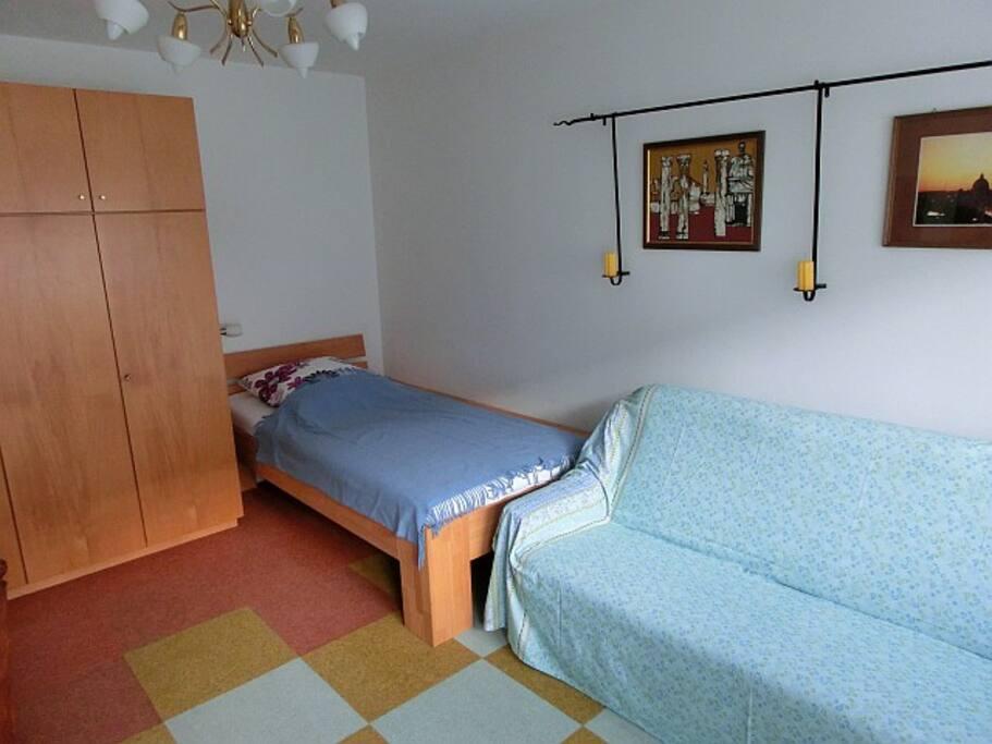 Das Bett ist 2,10 m lang