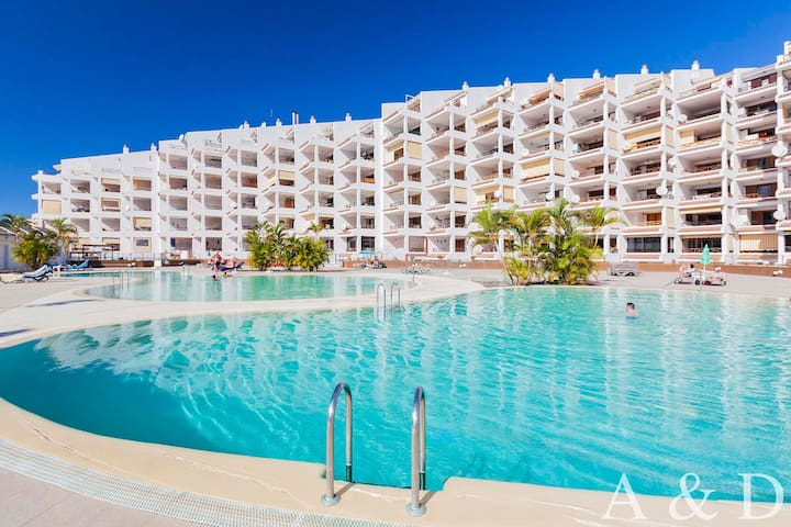 Luxurious apartment in the heart of Los Cristianos