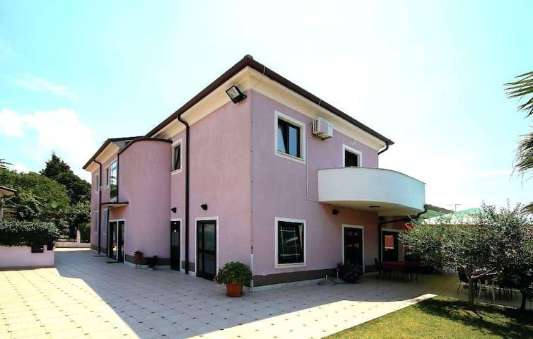 Apartment Loris2 for couples & families, free WiFi - Bašanija - Apartment