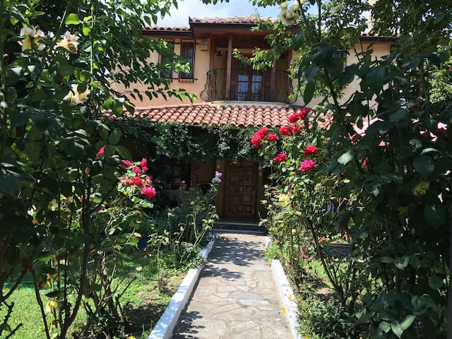 Charming & private house near beach - Platamon - Vila