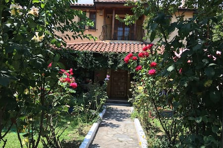 Charming & private house near beach - Platamon