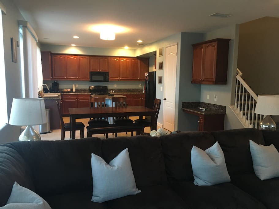Kitchen/dining from living room