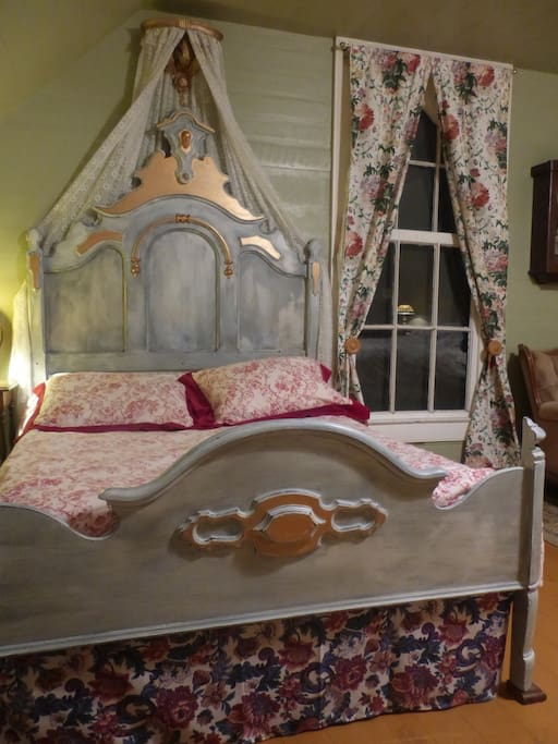 Sleep like a baby in this 1860s bed